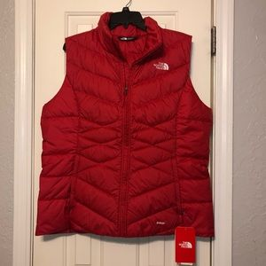 NWT Bright Red North Face Puffy Vest